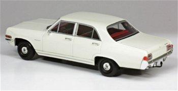 Modellauto:Opel Kapitän von 1964, weiß(Minichamps, 1:43)