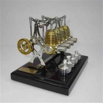 BHB 28 - Big Bridge -4-Zylinder Stirling-Motor mit dunklem Sockel(Böhm)