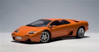 Modellauto:Lamborghini Diablo 6.0, orange(AUTOart, 1:18)