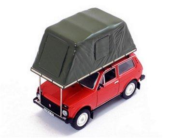 Modellauto:Lada Niva mit Dachzelt von 1981, rot(IST Models, 1:43)