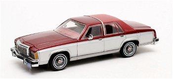 Modellauto:Ford Crown Victoria von 1986, silber-rot-metallic(Matrix, 1:43)