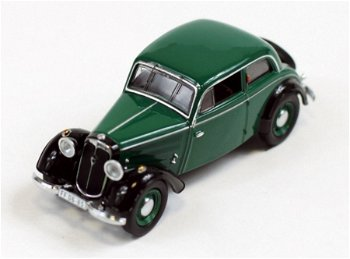 Modellauto:IFA F8 Limousine von 1949, grün(IST Models, 1:43)