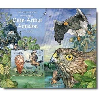 100. Geburtstag von Dean Arthur Amadon - Briefmarken-Block postfrisch, Mocambique