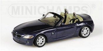 Modellauto:BMW Z4 Roadster von 2002, dunkelblau(Minichamps, 1:43)