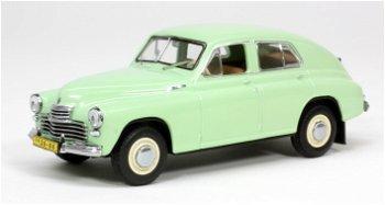 Modellauto:GAZ M 20 Pobieda (1st Serie) von 1949, hellgrün(IST Models, 1:43)