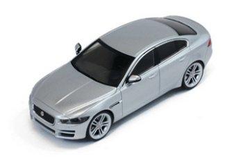 Modellauto:Jaguar XE von 2015, silber(Premium X, 1:43)