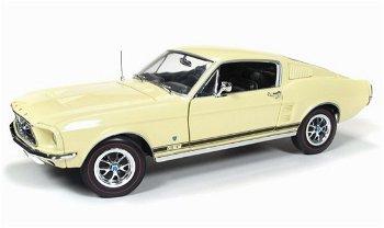 Modellauto:Ford Mustang GT 2 + 2 von 1967, gelb(Autoworld/Ertl, 1:18)