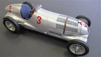 Modellauto:Mercedes-Benz W 125 mit # 3- GP England 1937 -(CMC, 1:18)