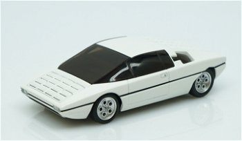 Modellauto:Lamborghini Bravo von 1974, weiß metallic(Minichamps, 1:43)