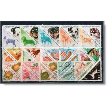 Dreieckige Marken - 300 verschiedene Briefmarken