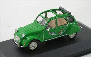 Modellauto:Citroen 2 CV von 1987mit geöffnetem Rolldach- Sausss Ente -, grün(WhiteBox, 1:43)