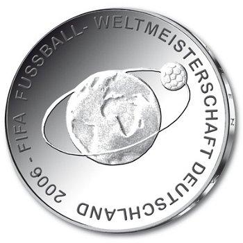 Fußball-Weltmeisterschaft 2006, 2. Ausgabe, 10-Euro-Silbermünze 2004, Stempelglanz