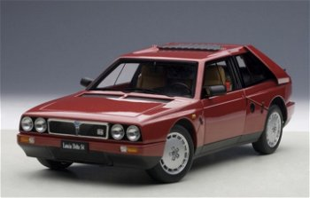 Modellauto:Lancia Delta S4 von 1985, rot(AUTOart, 1:18)