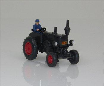 Modell-Traktor:Lanz Bulldog mit Bauer(Wiking, 1:87)