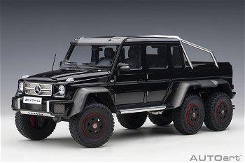Modellauto:Mercedes-Benz G63 AMG 6x6 von 2013, schwarz(AUTOart, 1:18)