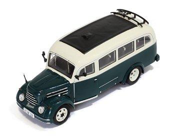Modellbus:Robur Garant 30 K VWB 18 von 1956, grün/weiß(IST Models, 1:43)
