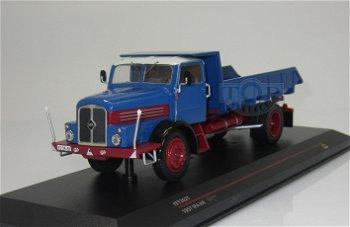 Modell-LKW:IFA H6 Kipper von 1957, blau(IST Models, 1:43)