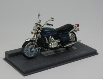 Modell-Motorrad:Honda GL 1000 Gold Wing von 1975(IXO, 1:24)