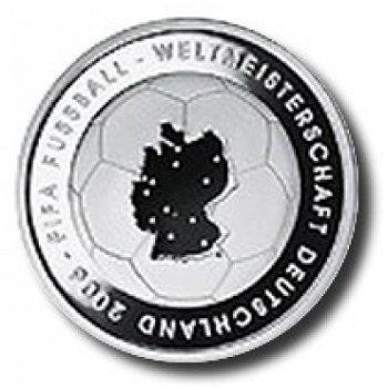 Fußball-Weltmeisterschaft 2006, 1. Ausgabe, 10-Euro-Silbermünze 2003, Polierte Platte