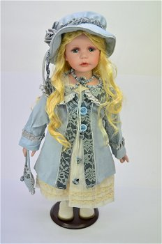 Porzellan Puppe - Viviana -, limitiert auf 999 Stück(RF-Collection)