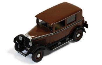 Modellauto:Opel 10/40 PS Modell 80 von 1928, braun-schwarz(IXO Museum, 1:43)