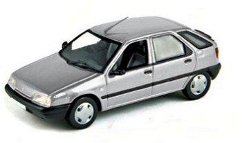 Modellauto:Citroen ZX von 1991, silber(Norev,1:43)