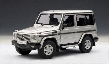 Modellauto:Mercedes-Benz G 500 von 1998, silber(AUTOart, 1:18)