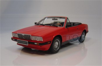 Modellauto:Maserati Biturbo Cabriolet von 1986, rot(Minichamps, 1:18)