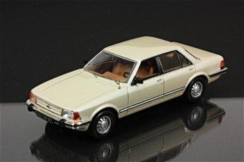 Modellauto:Ford Granada GL von 1982, gold(IXO Models, 1:43)