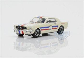 Modellauto:Ford Mustang mi # 1 von 1966, weiß(Apex Replicars, 1:43)
